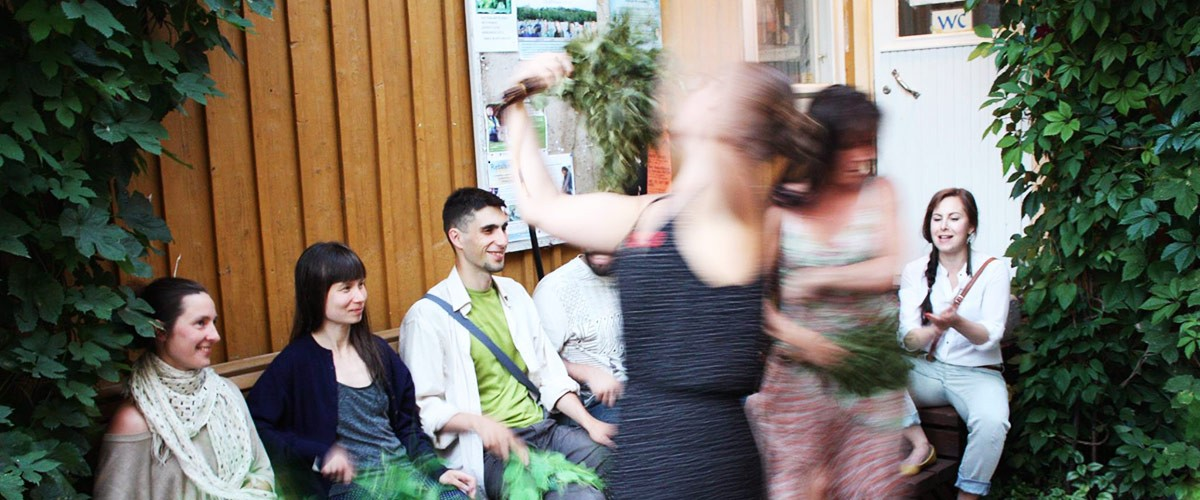 Flamencoa Rajaportin saunalla